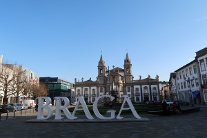 Among the cities with more than 100 thousand inhabitants, Braga scored the highest growth but kept the lowest price